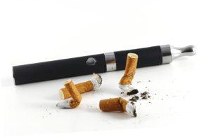 Los cigarros electrónicos podrían ayudar a las personas a dejar de fumar